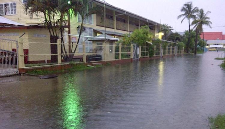 guayanschoolflood